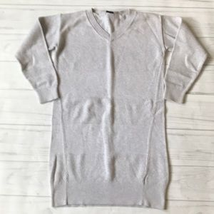 Gap women's XS Vneck Gray pullover sweater